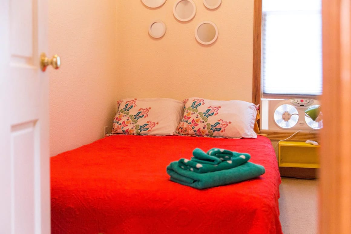 Animal Lovers Welcome Near Downtown Private Room best hostels in Colorado Springs