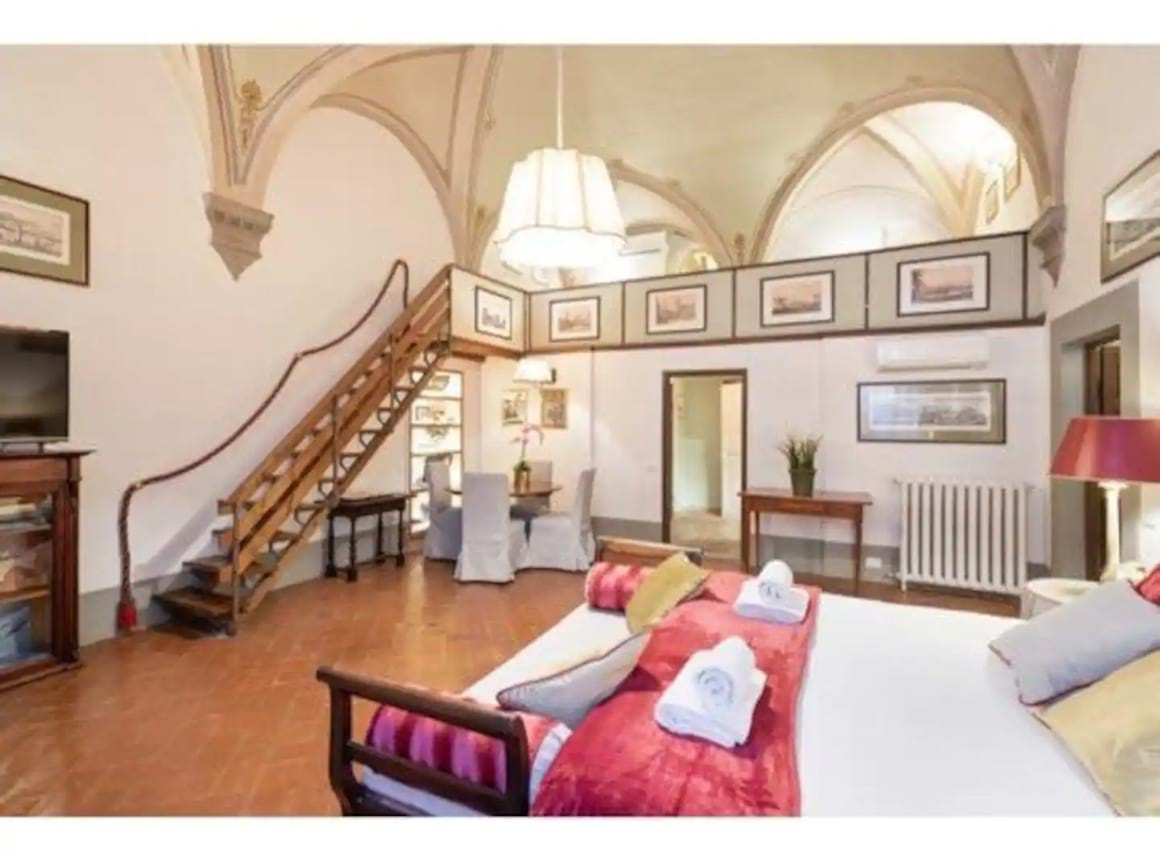 Apartment near Uffizi Gallery 1