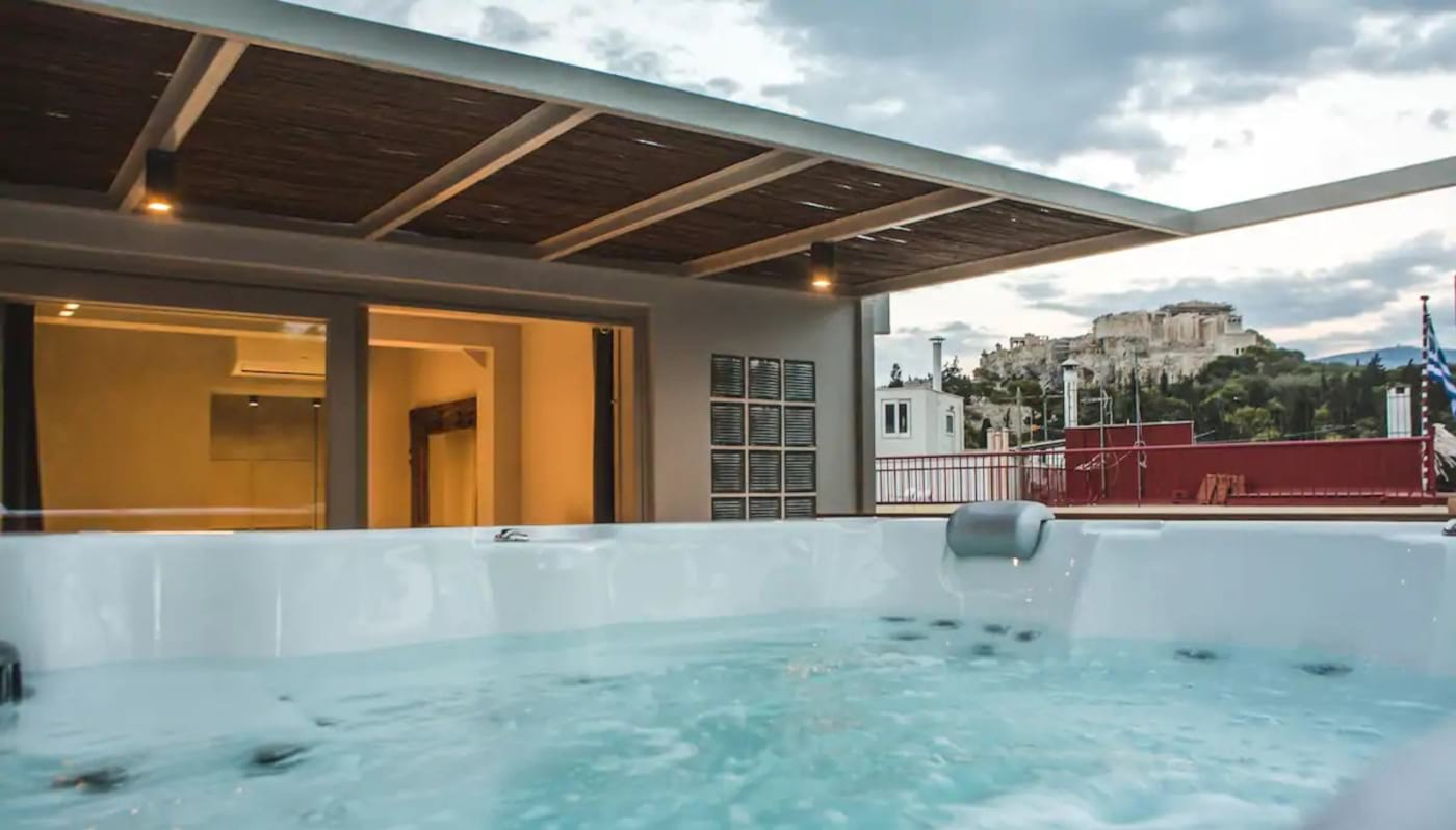 Five Bedroom Suite with Jacuzzi Athens