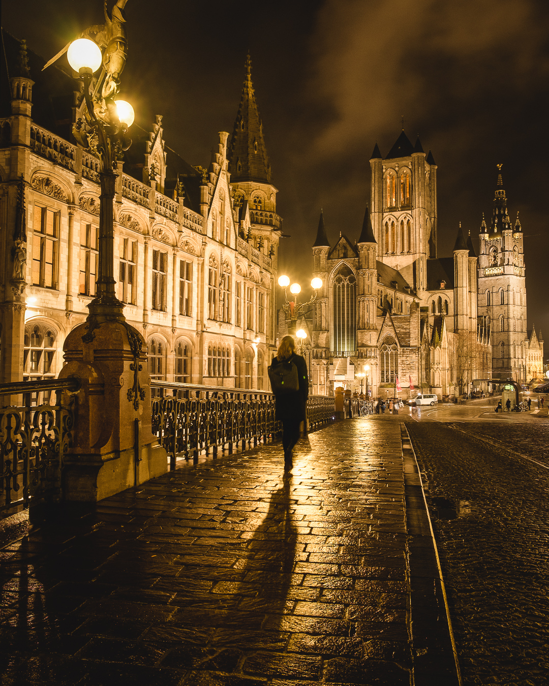 walking around ghent at night