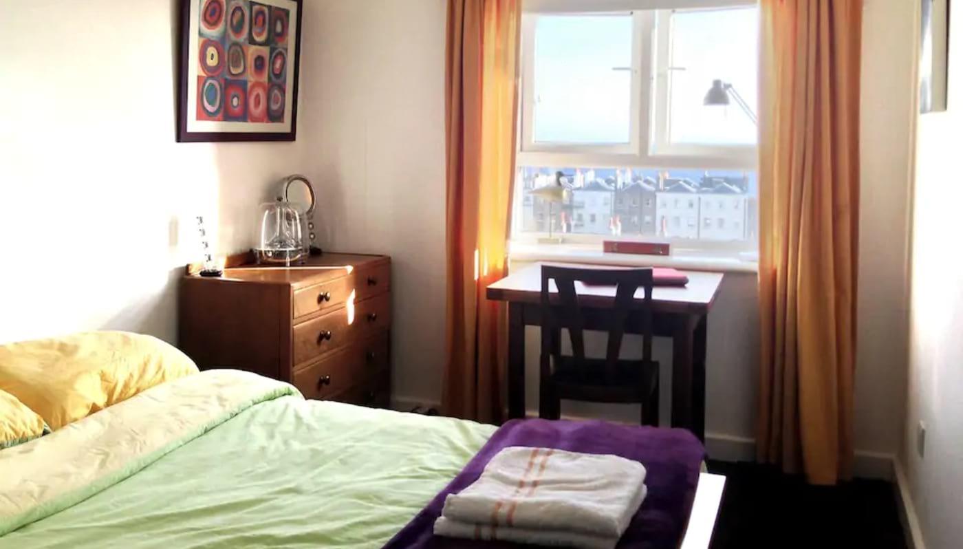 Private Room in Kemptown Home Brighton