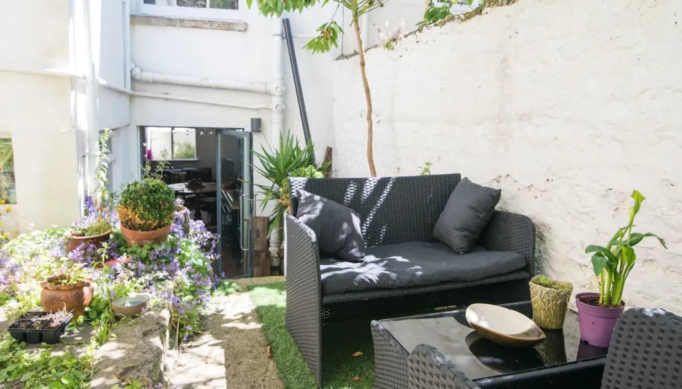 Private Room with Desk and Garden Brighton