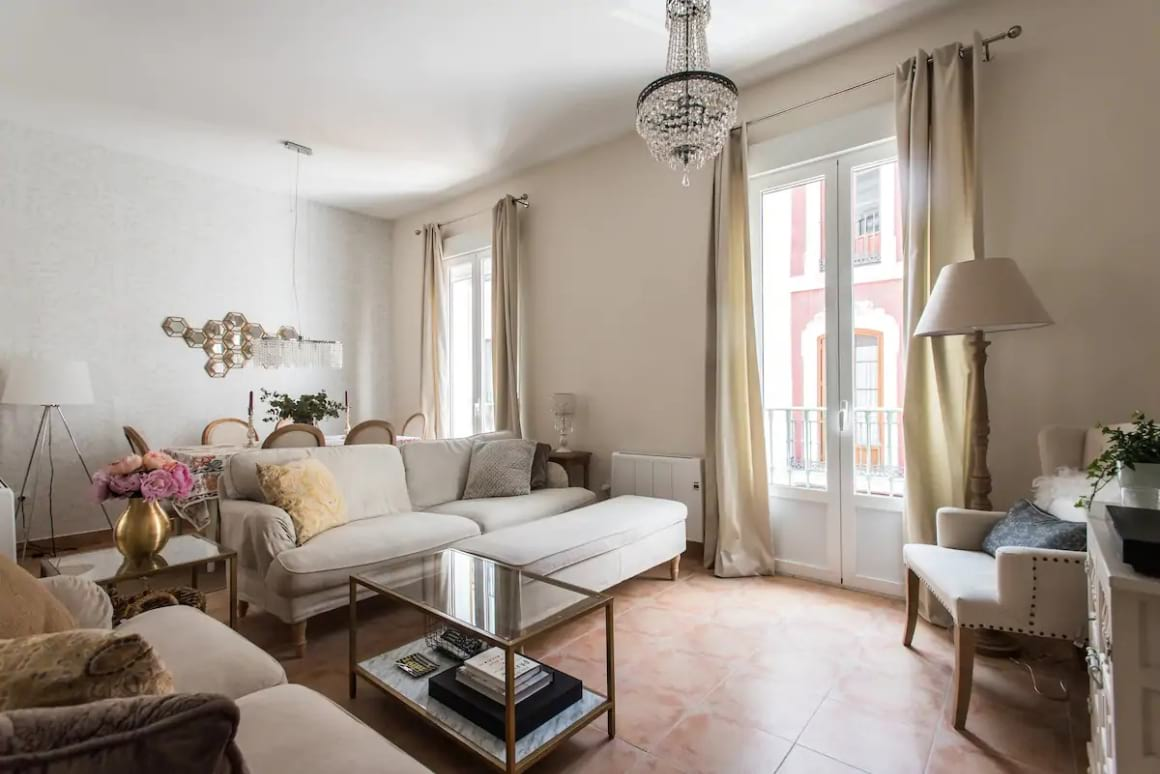 Eight person apartment near Cathedral, Sevilla
