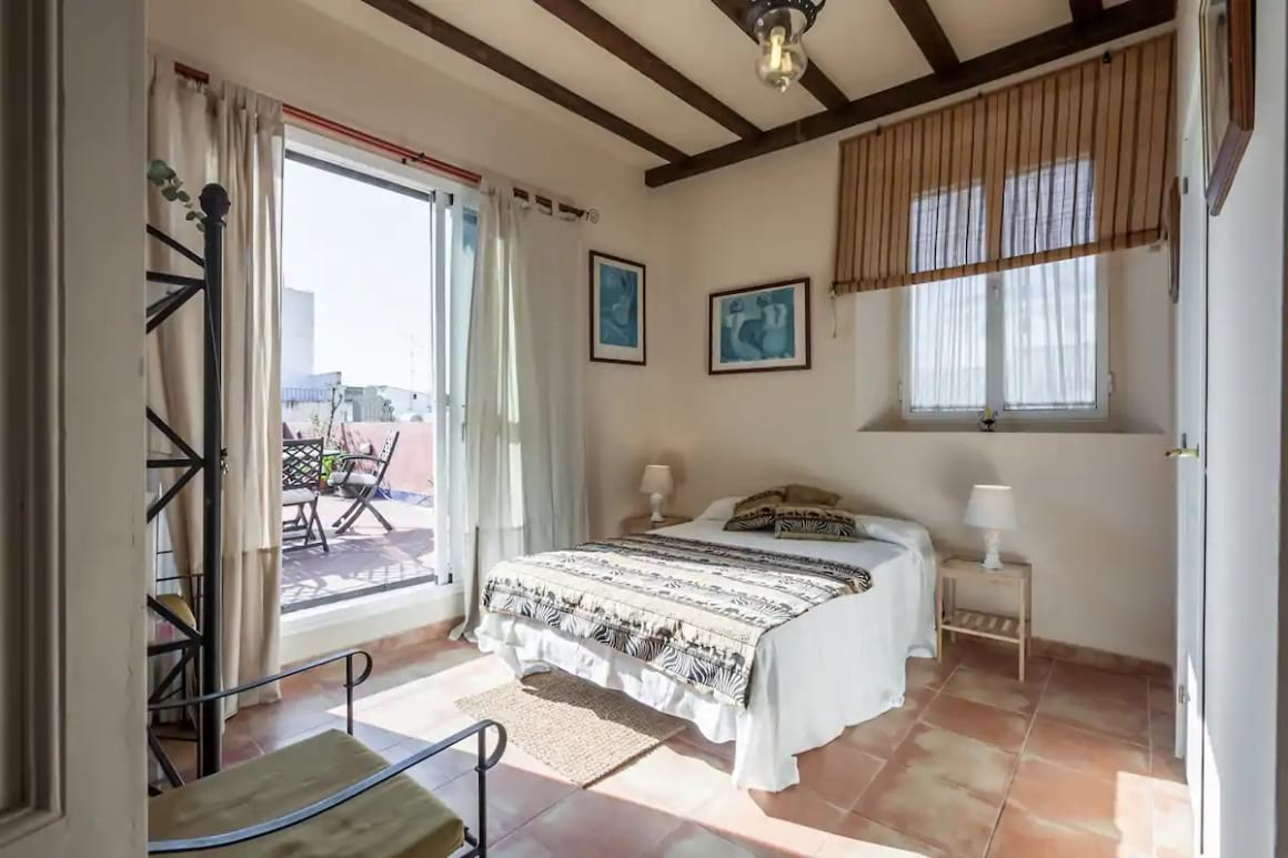 Room with large private terrace, Sevilla