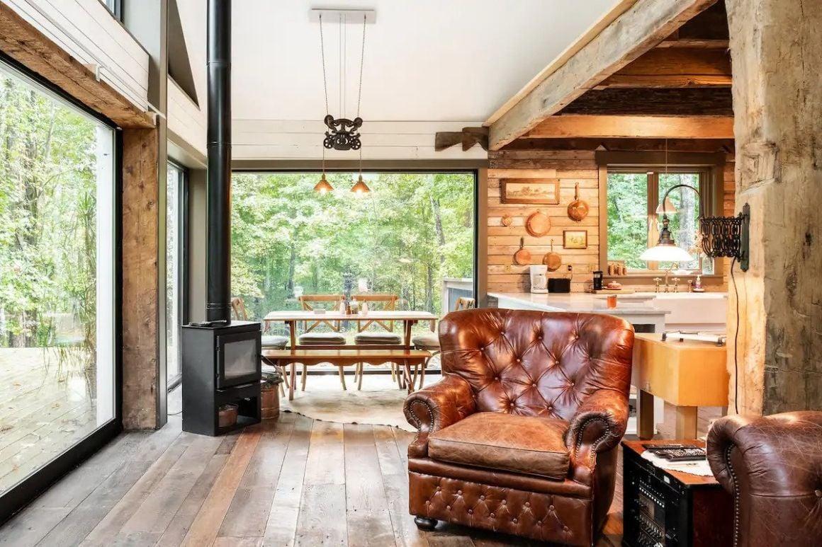 Secluded Woodland Cabin near Nashville, Nashville