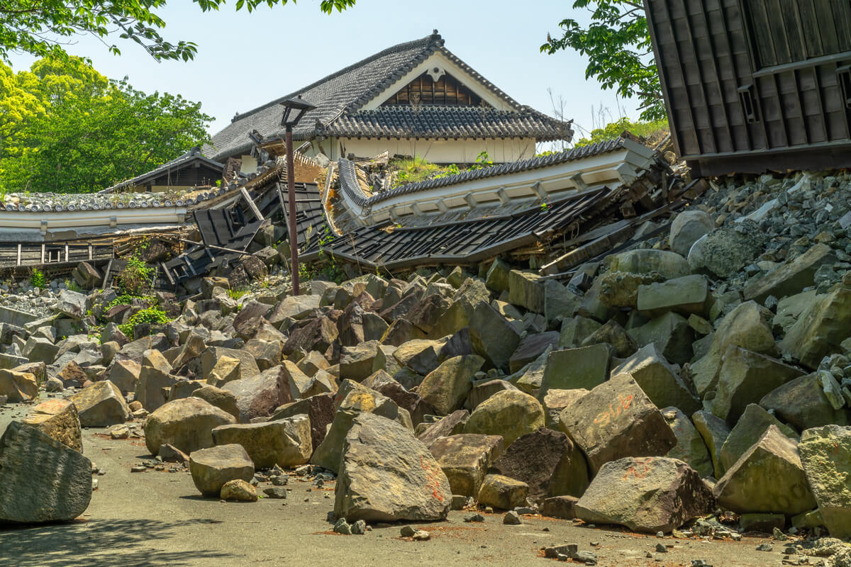 Earthquake damage done to a famous castle in Japan