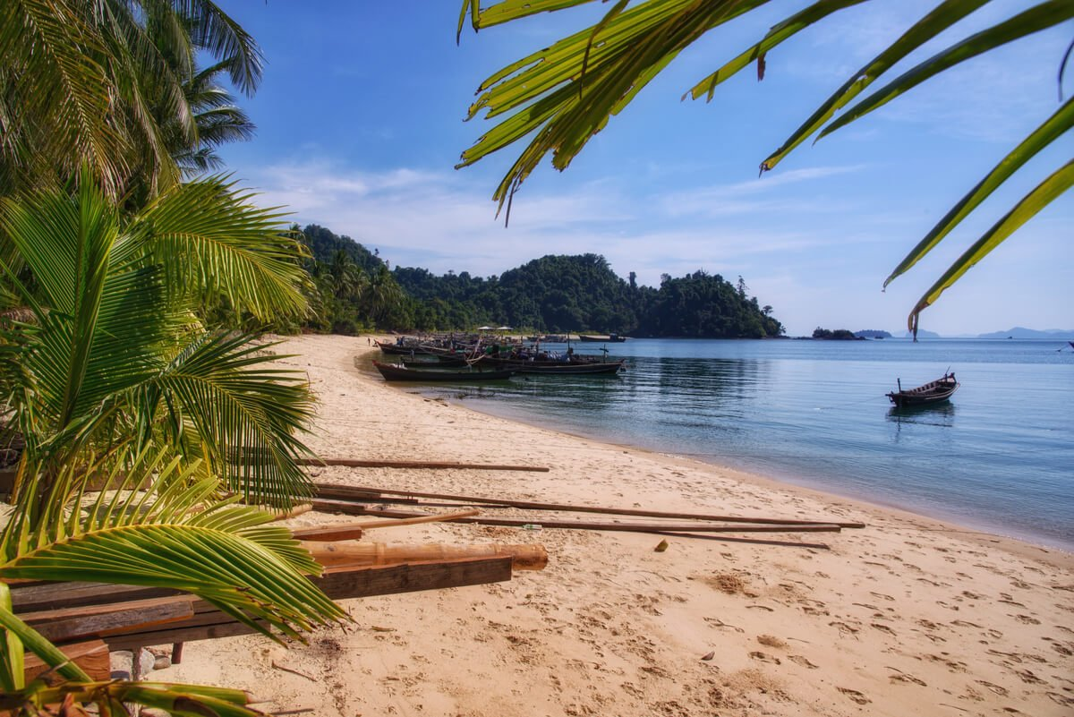 Don Island, Mergui Archipelago - backpacking off the touris trail in Myanmar