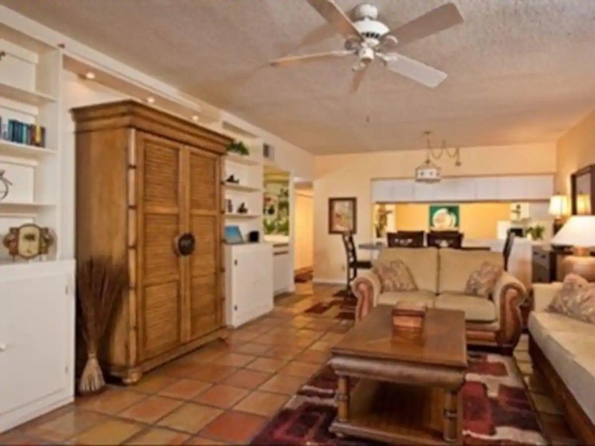 Affordable Beachfront Luxury sleeps six Florida key