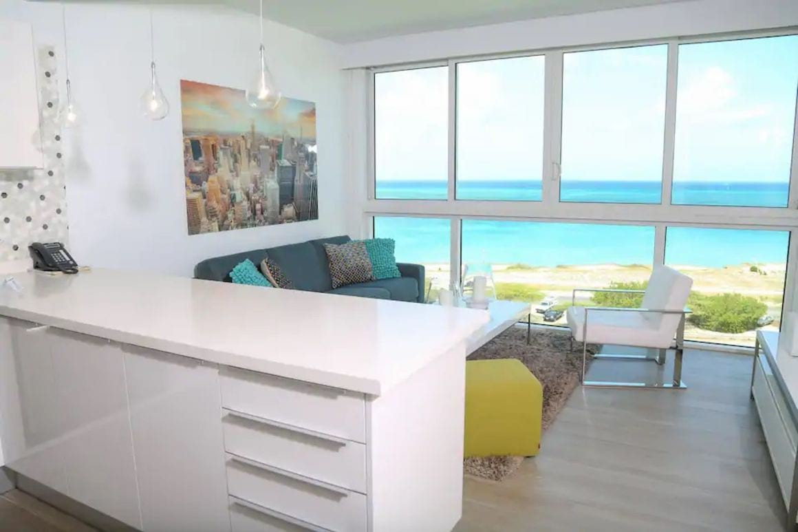 Glamourous and modern apartment Aruba