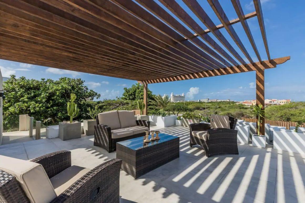 Luxury 9BR Villa with roof deck Aruba
