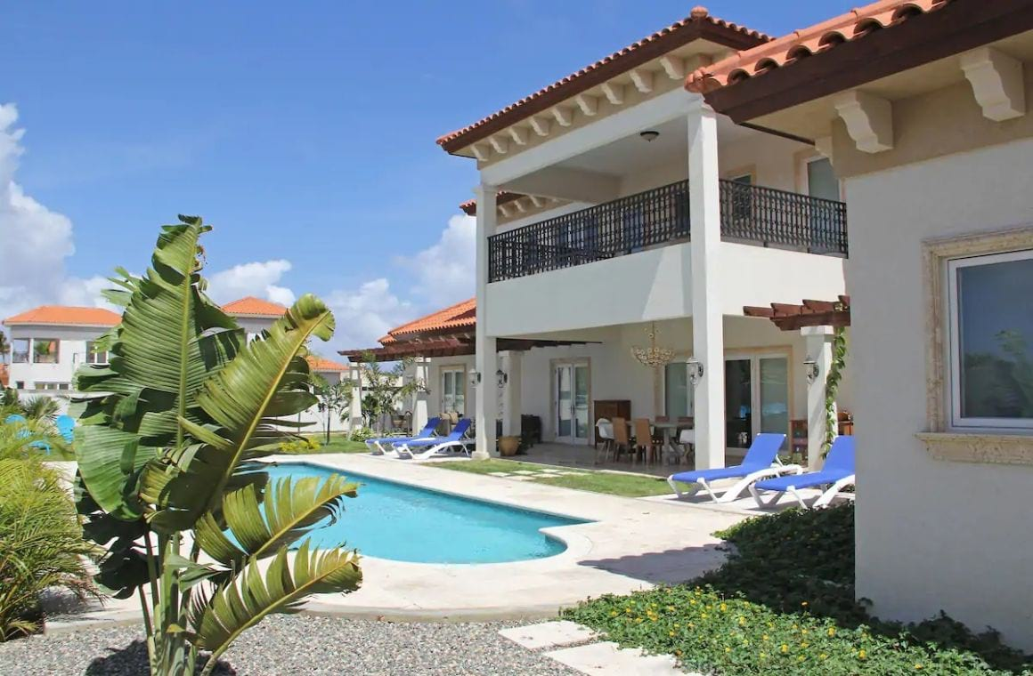 Magnificent Tuscan Villa near beach Aruba