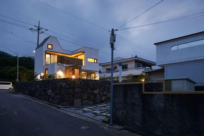 Seogwipo City New Town Accommodation Jeju