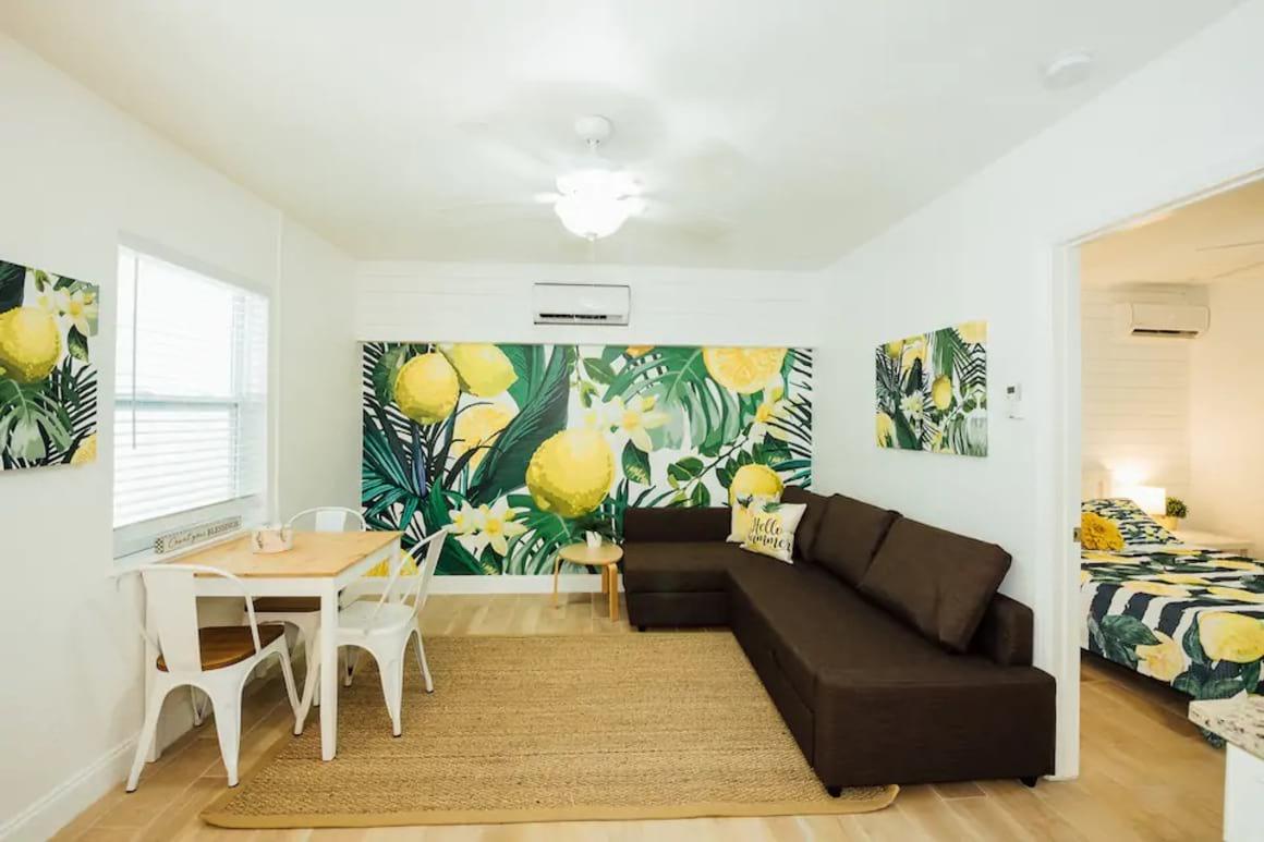Cute Beach Apartment, St Petersburg FL