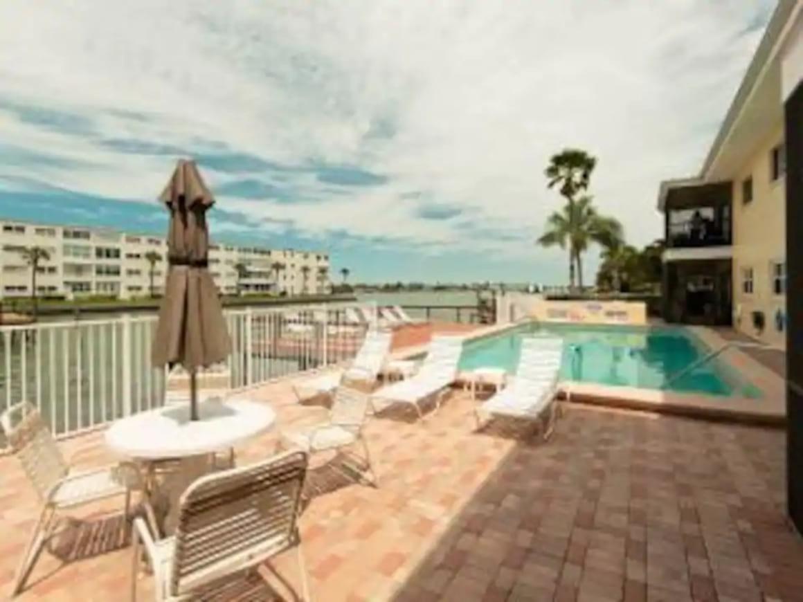 St Pete Beach Paradise, St Petersburg FL