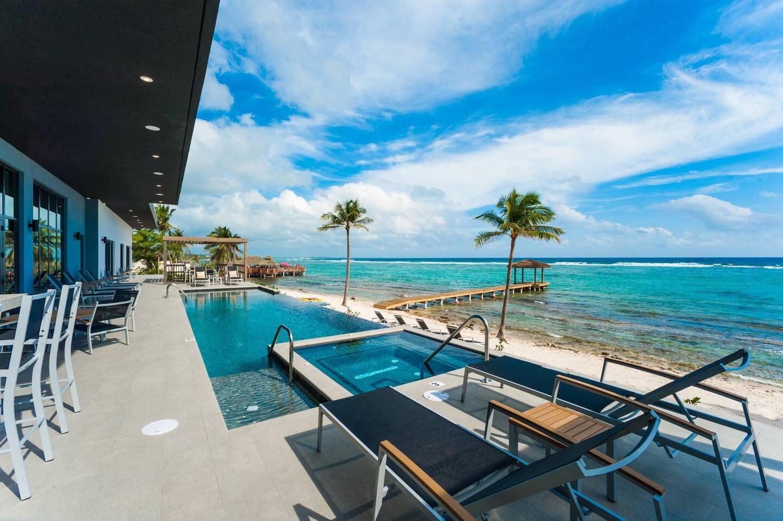 Oceanfront Suite, Cayman Island