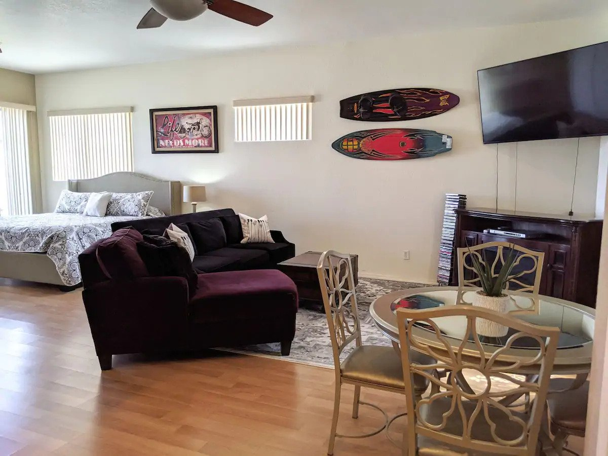Stylish Studio with Pool, Lake Havasu