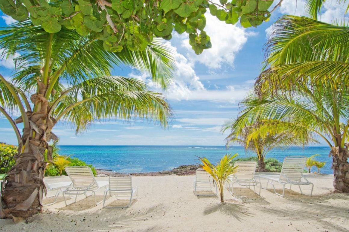 Moon Bay, Cayman Island
