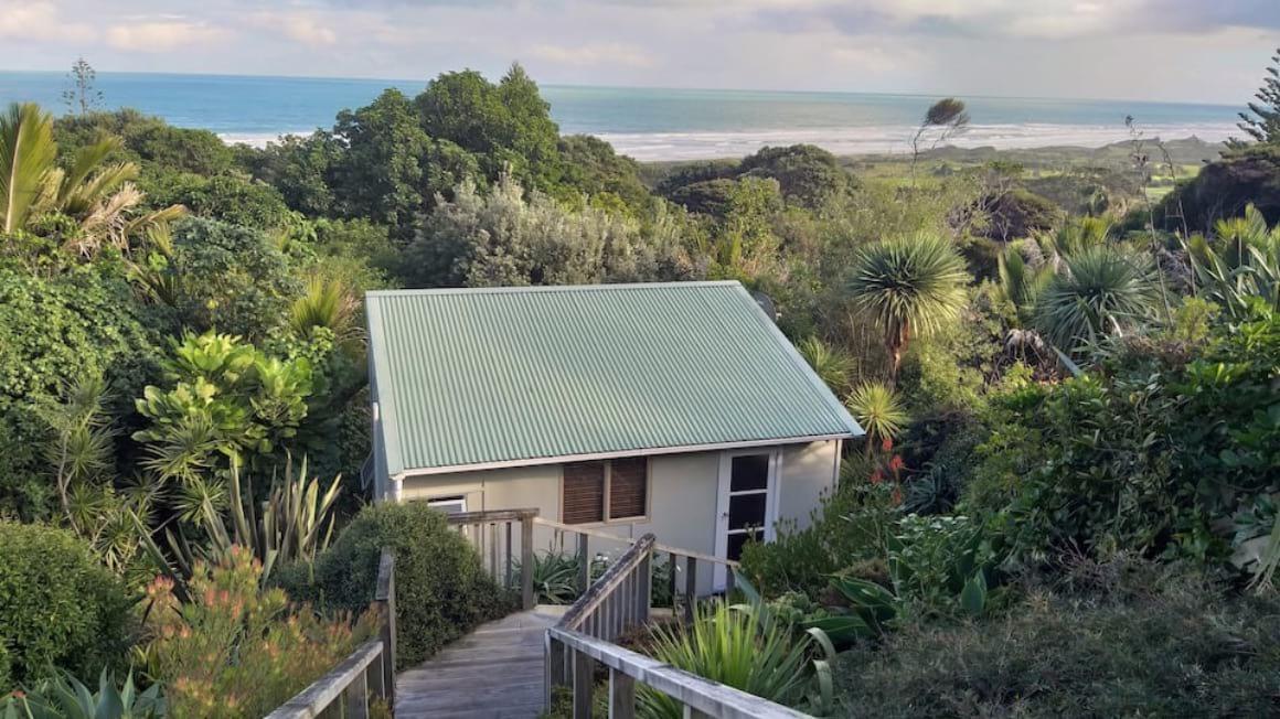 Muriwai Beach Cabin Auckland