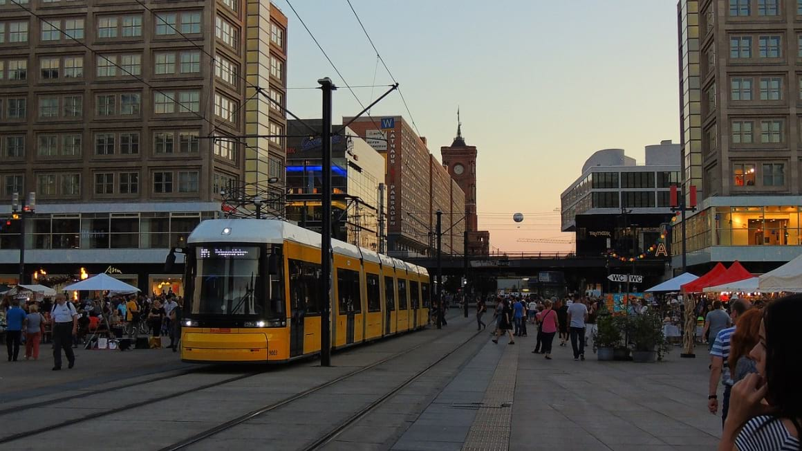 how to get around berlin cheap