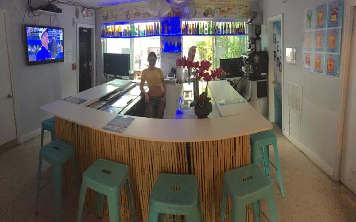 Miami Beach Bikini Hostel Cafe and Beer Garden Miami USA _3