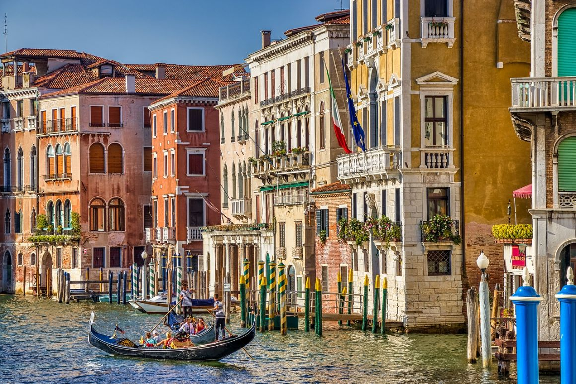 is Venice expensive to visit