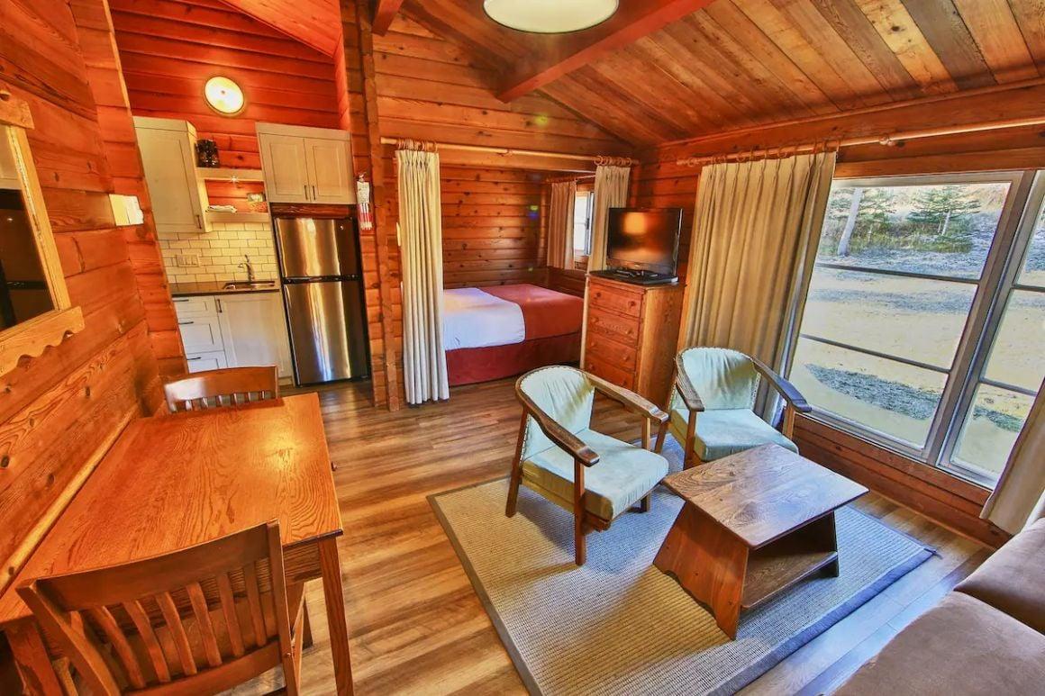 Riverside Family Suite, Jasper National Park 2