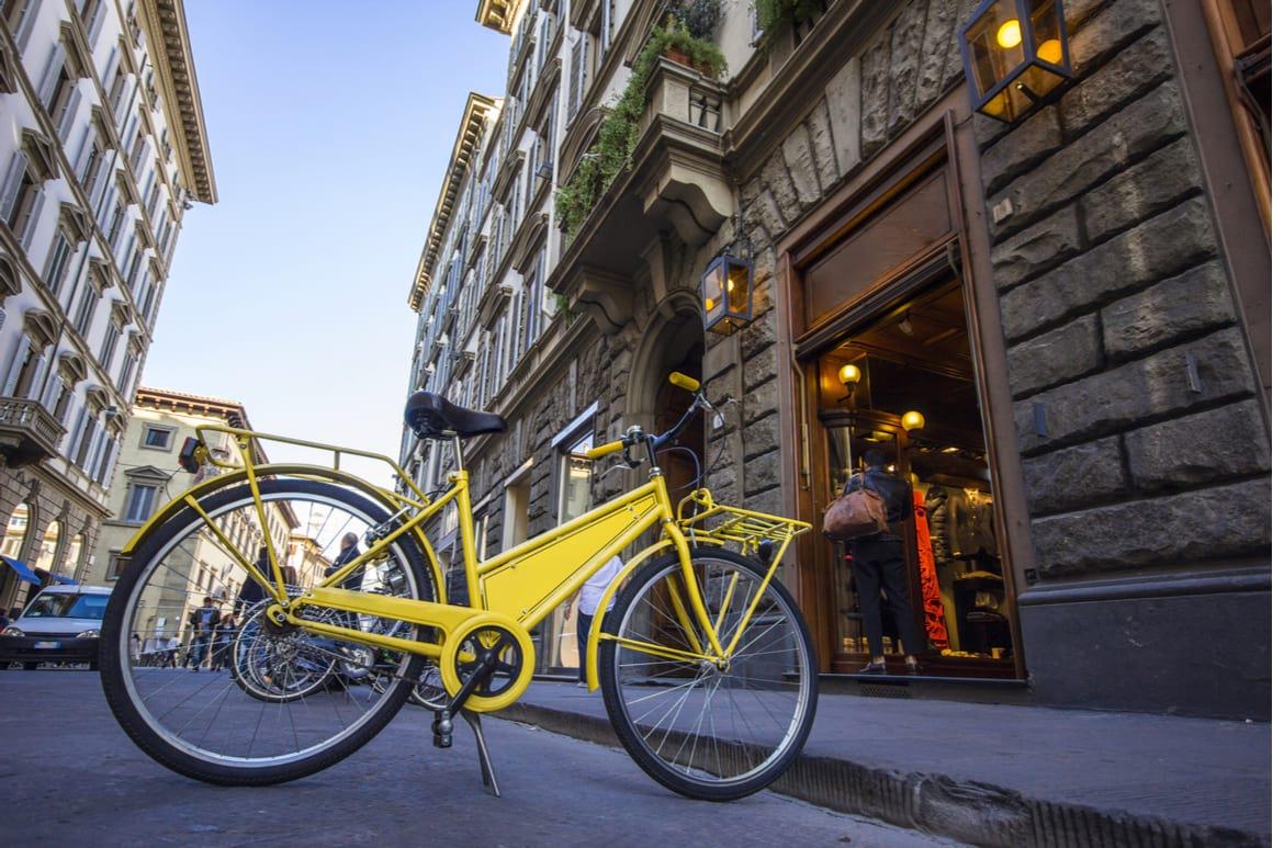 renting a bike in Venice