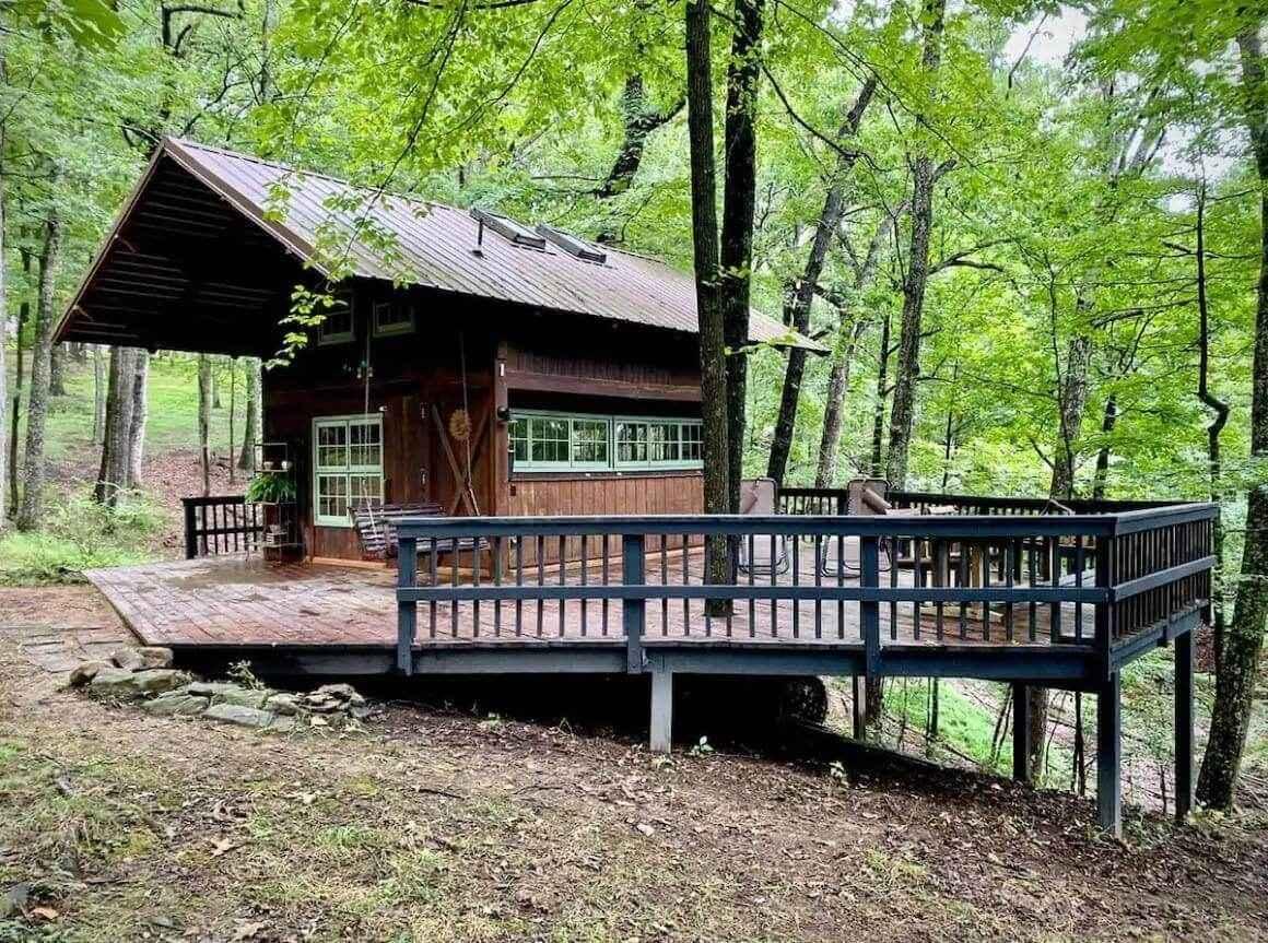 Easygoing Potomac River Cabin (1)