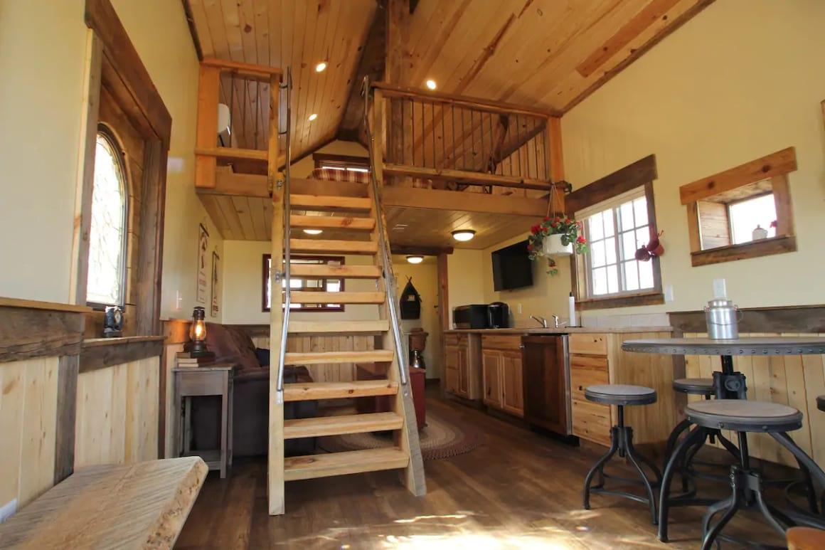 Little Rock Cabin