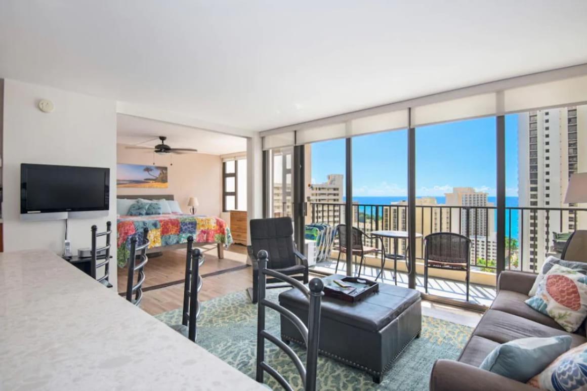 Ocean View Waikiki Banyan