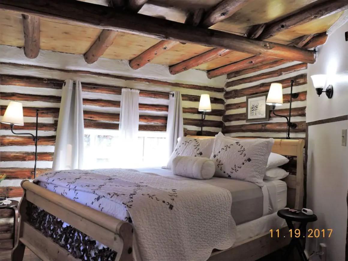 Prescott Log Cabin