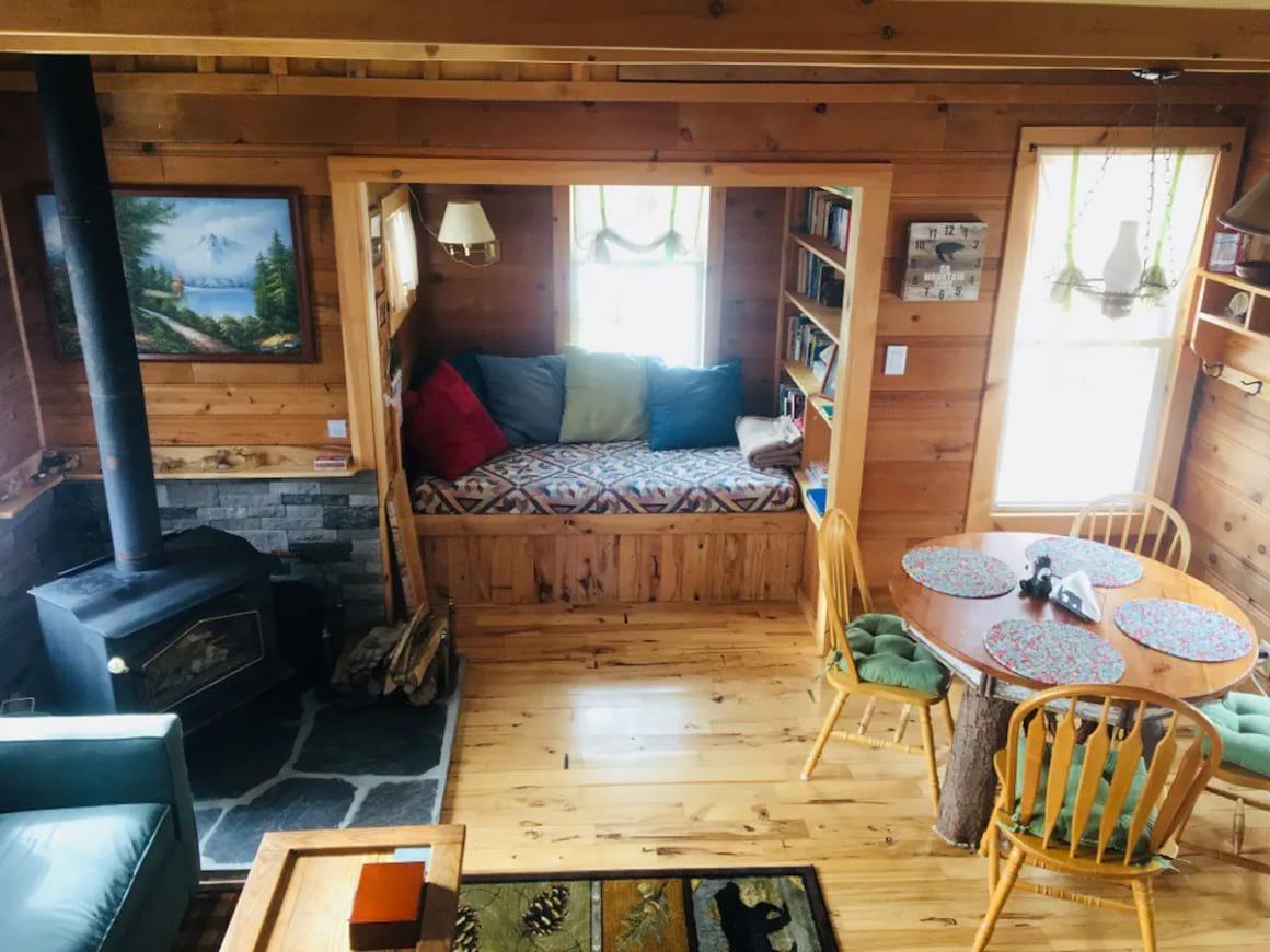 The Bear Cub Cabin