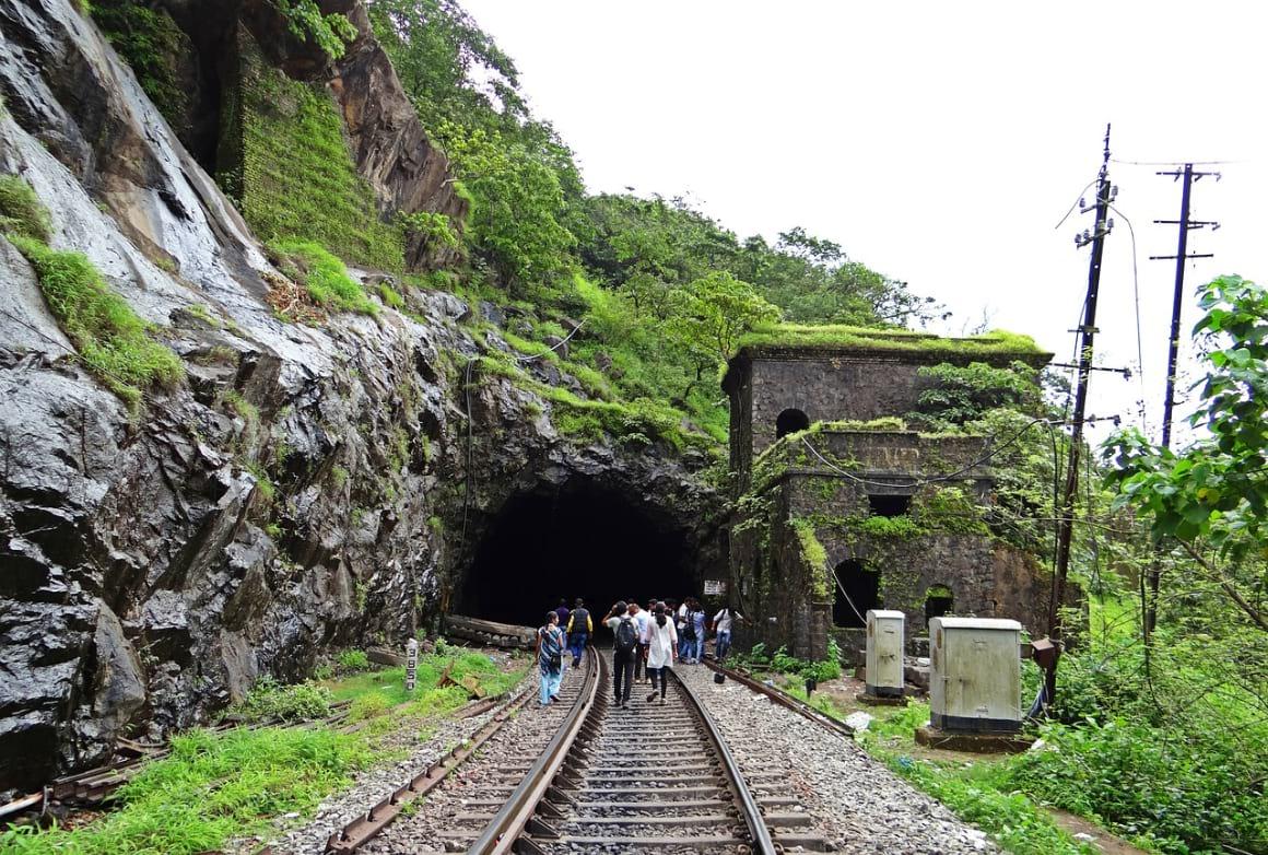 rail track goa india