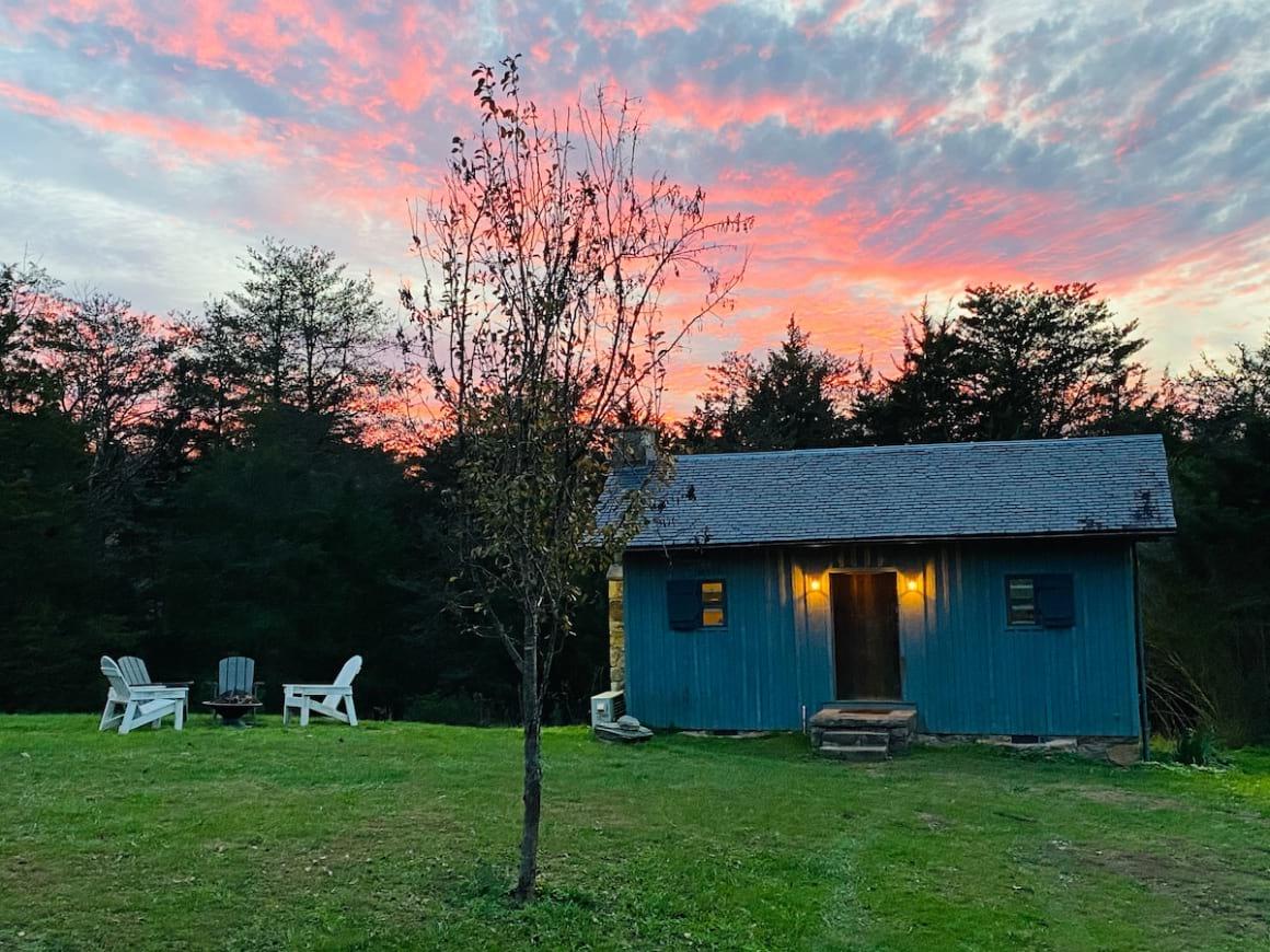 Enchanting Tiny House on Peaceful Farm