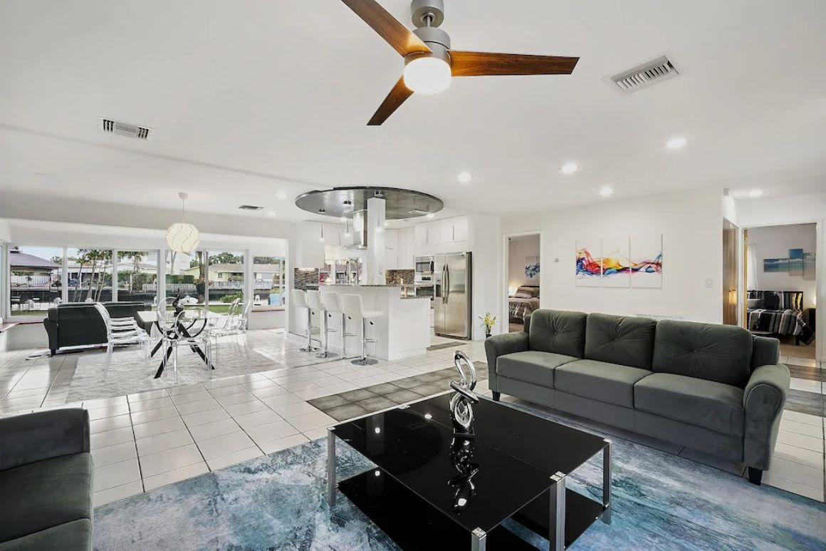 Contemporary Waterfront Vacation Home, Fort Lauderdale