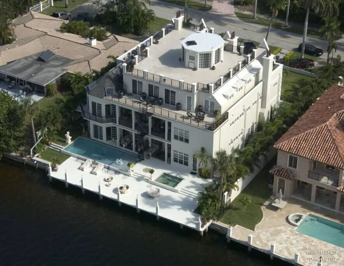 Modern Castle on the Middle River, Fort Lauderdale