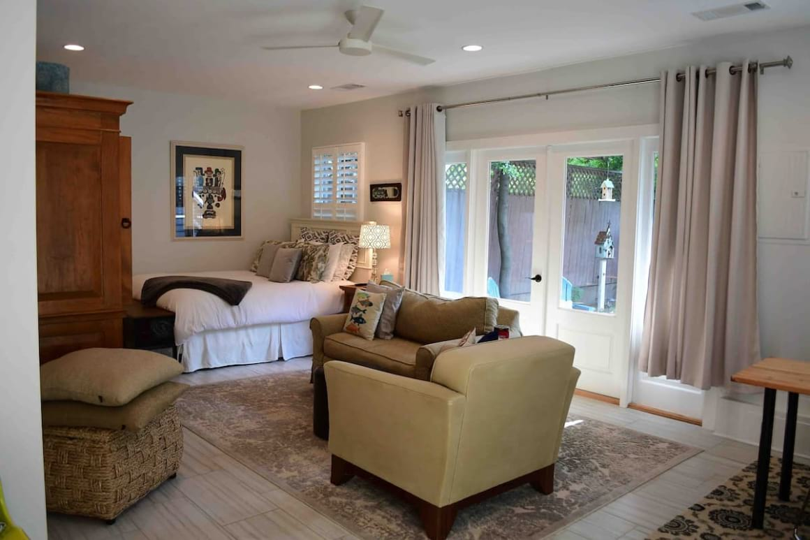 Guesthouse in Prime Midtown Location Hosted by August best hostels in Atlanta