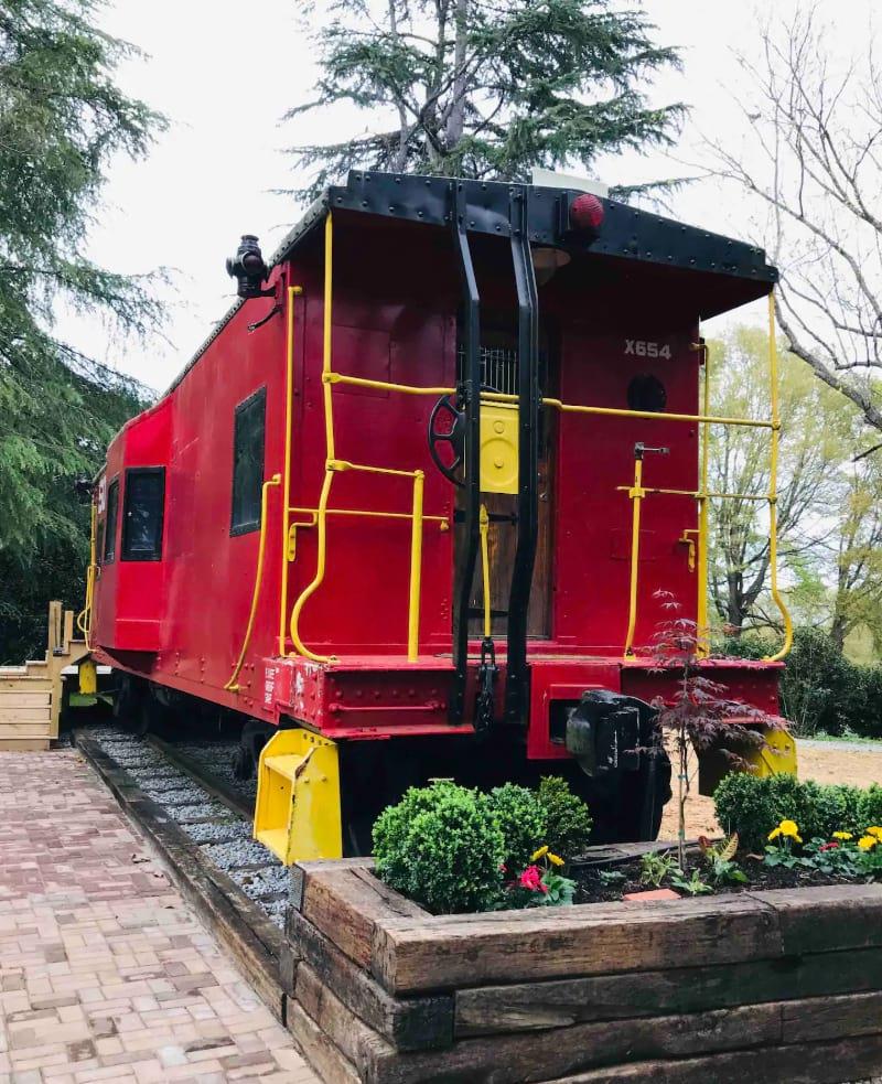 MackRail Cabin Car