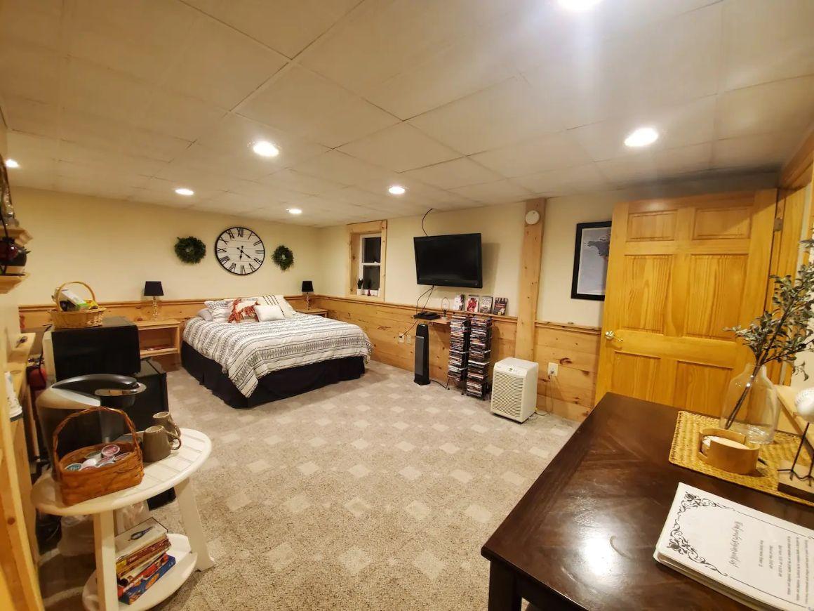 Private Room in Dunbarton, New Hampshire