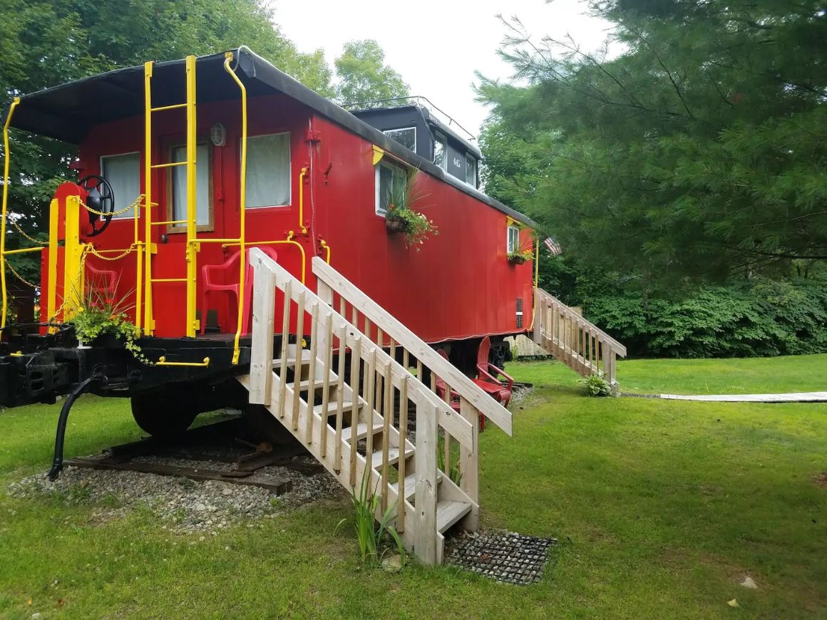 The Lil Red Caboose, New Hampshire