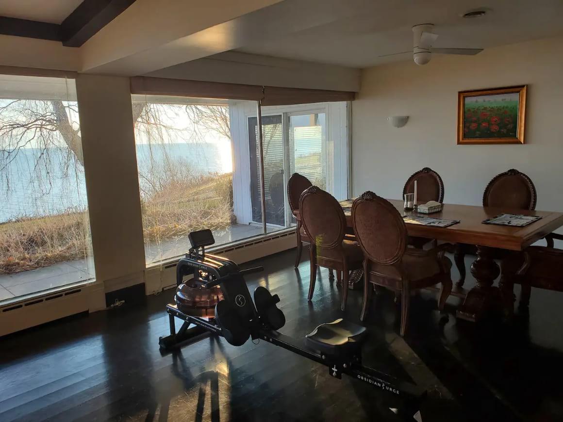 Private Room on Lake Michigan