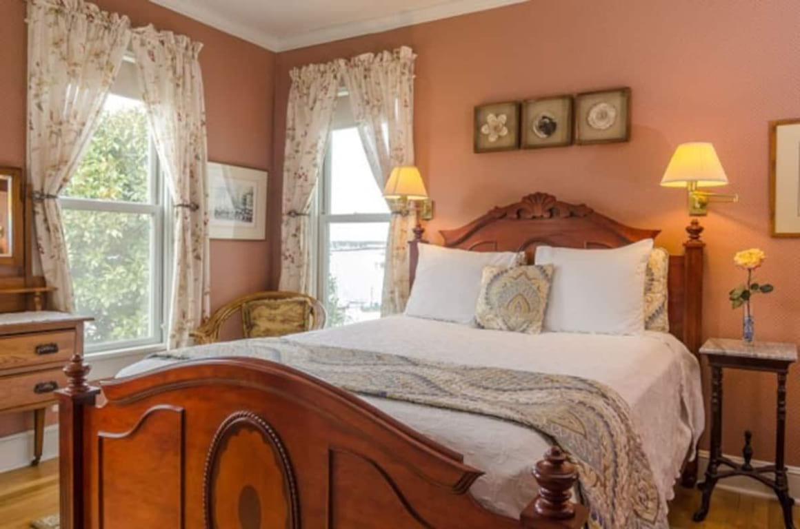 Solomons Victorian Inn Bed and Breakfast Maryland