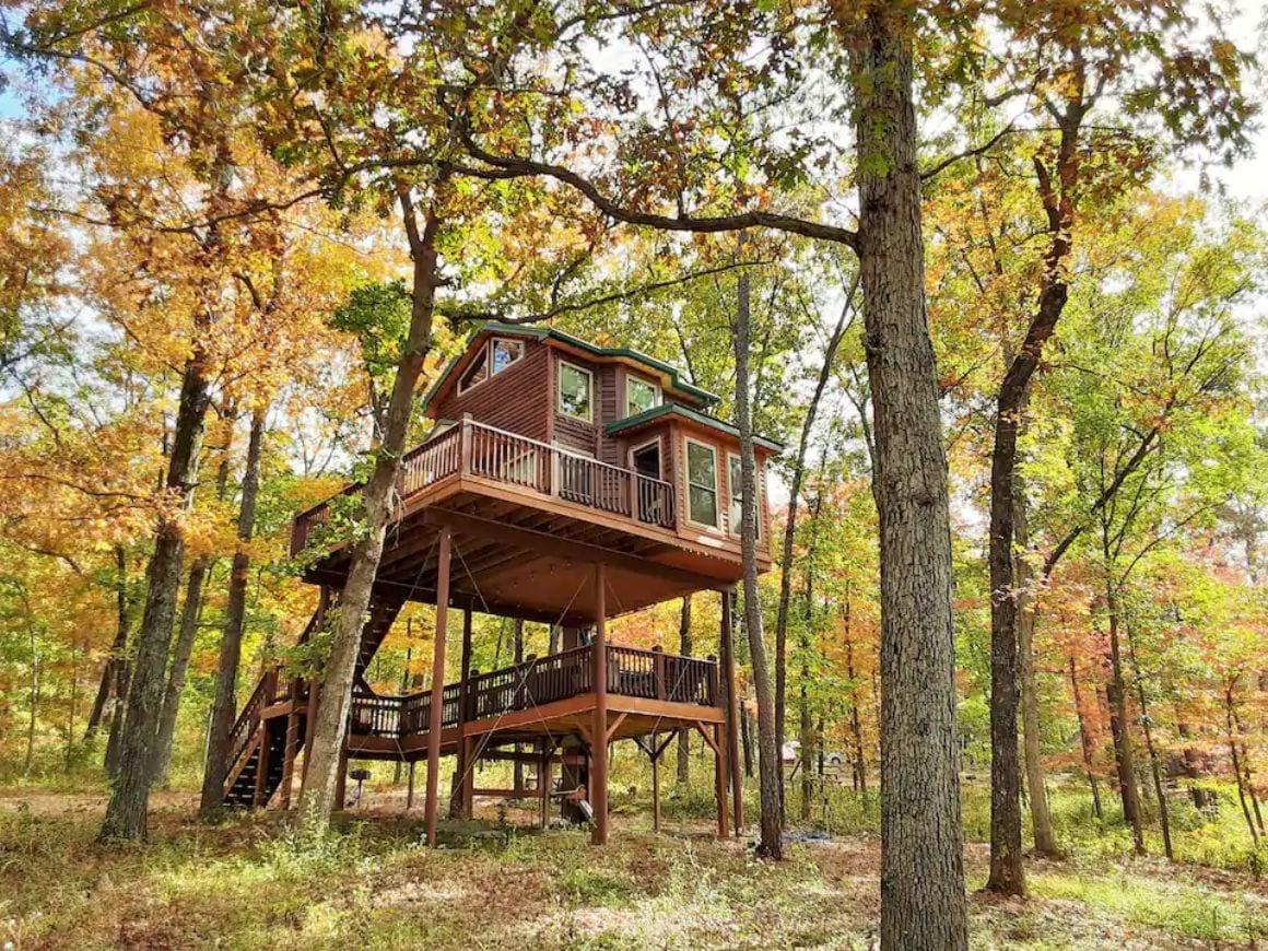 Spring Lake Tree House Missouri