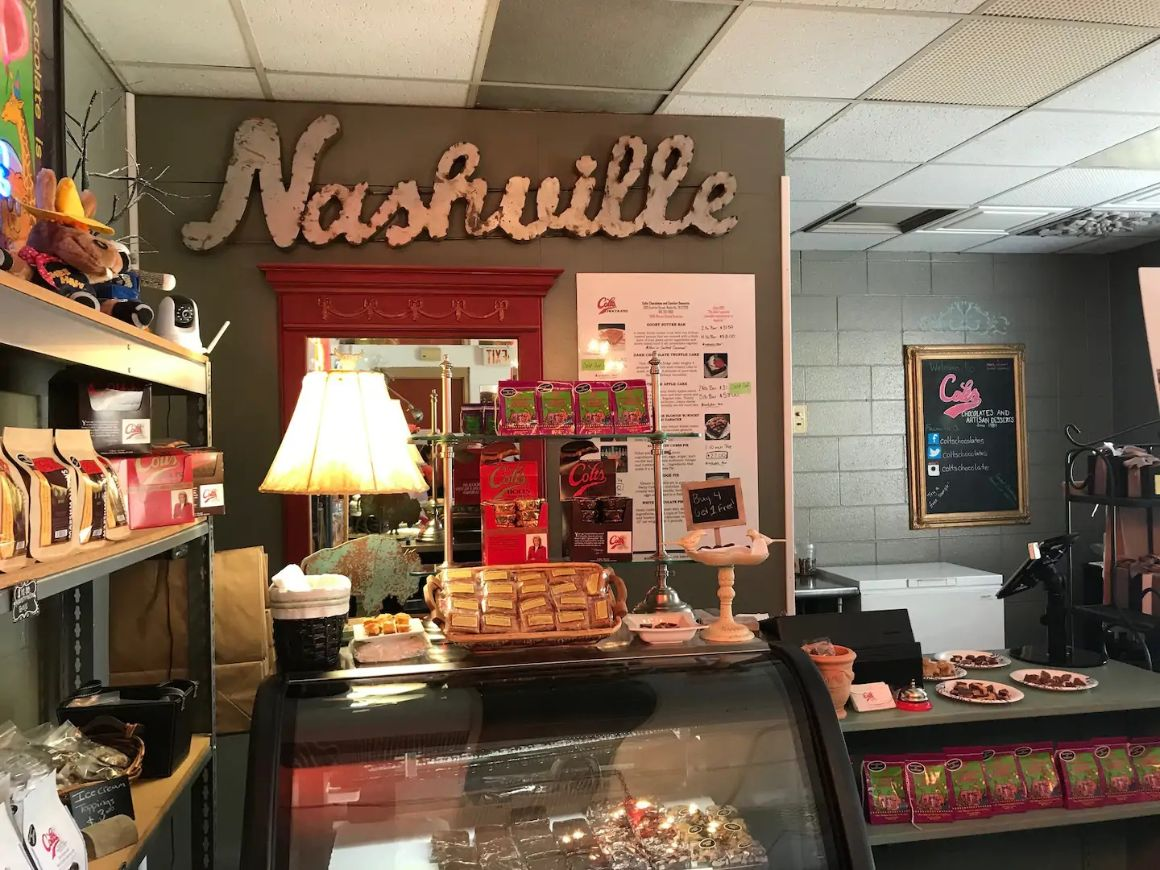Music City Walking Food Tour Nashville, Tennessee