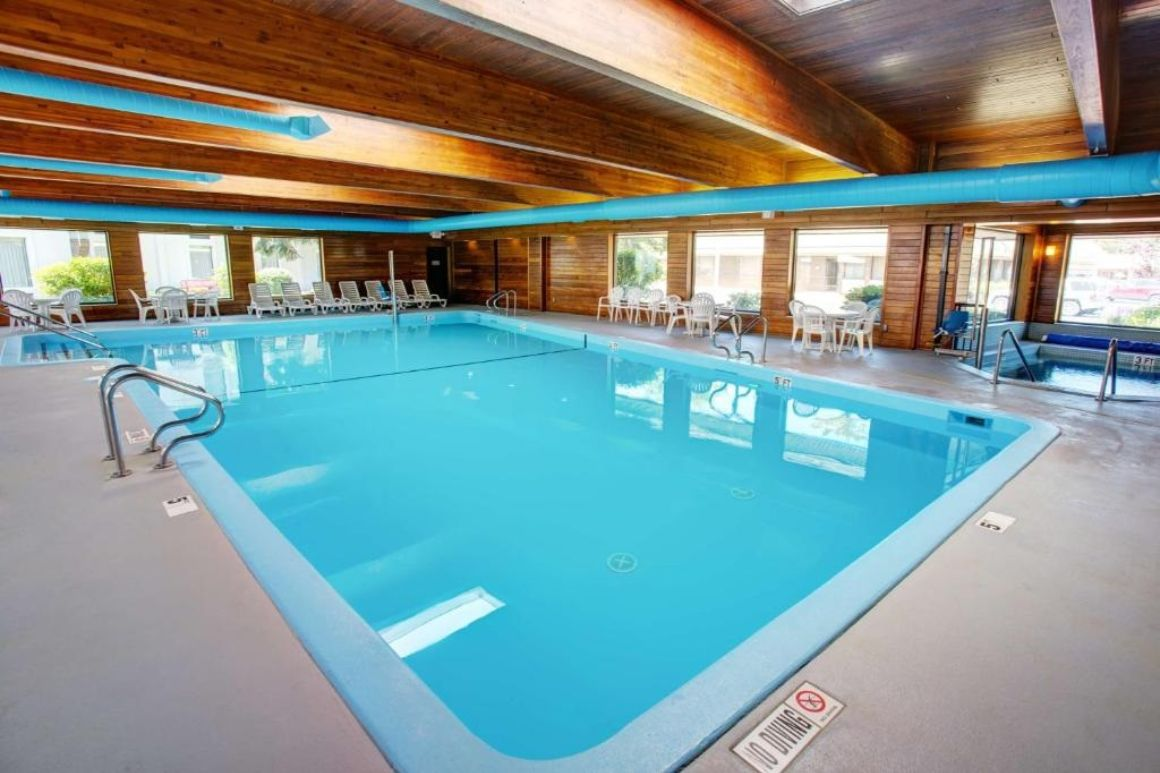 Country Inn and Suites by Radisson Traverse City, Traverse City