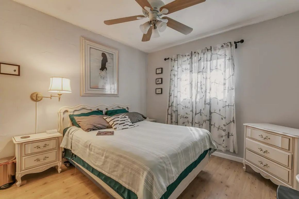 Cozy Room in Midtown hosted by Michael and Zane best hostels in Phoenix