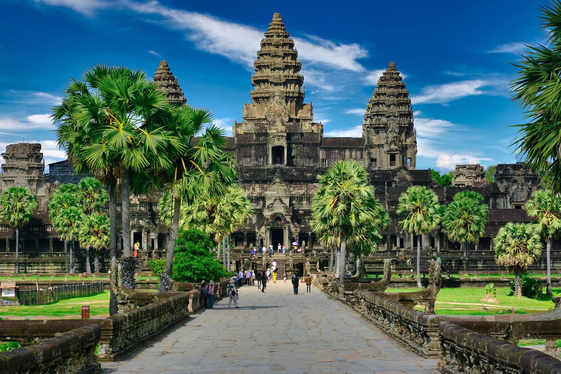 angkor wat front view cambodia