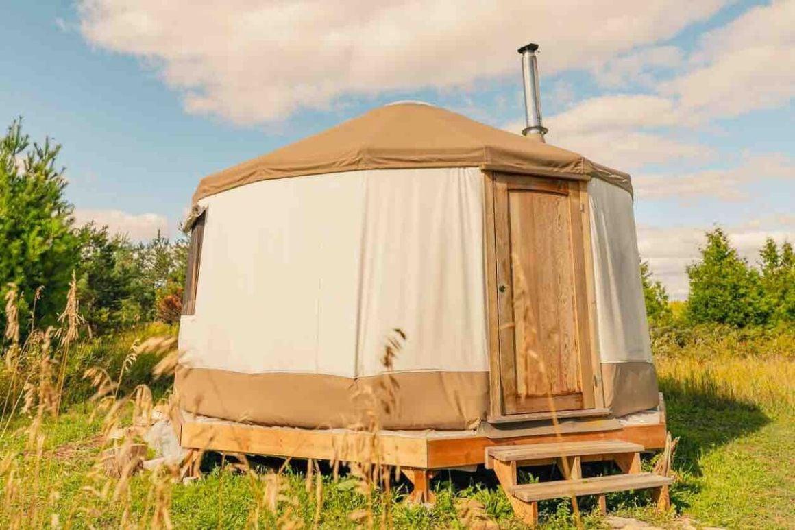 Private yurt on 100 acres Ottawa