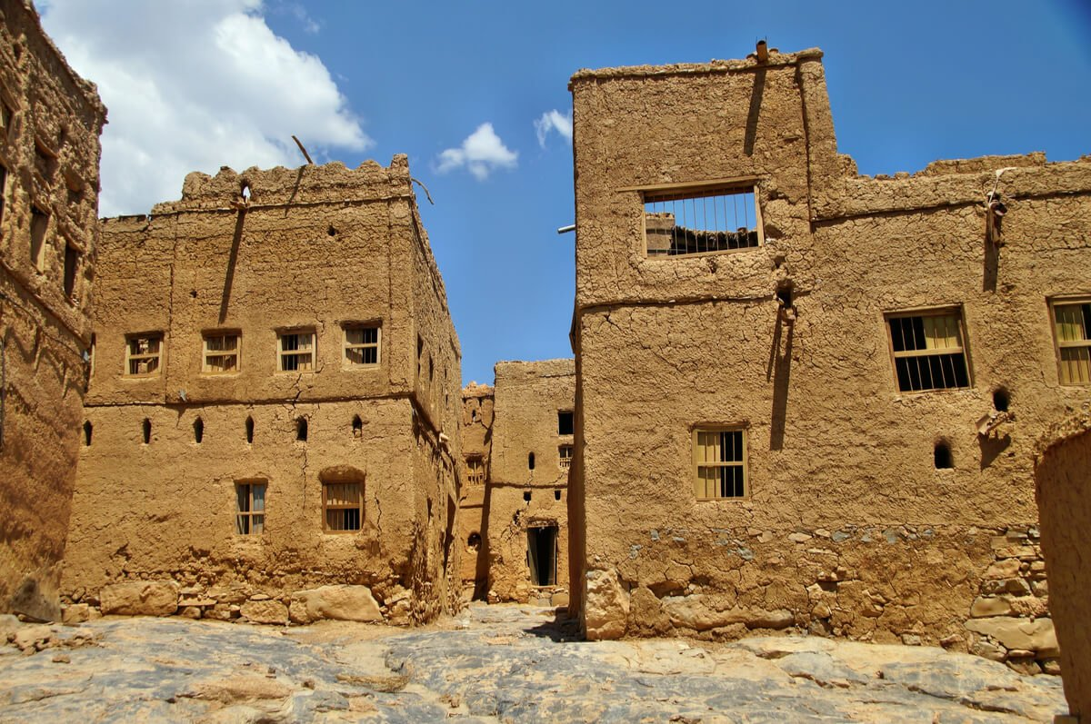 the tan colored ruins of al hamra one of the best things to do in oman