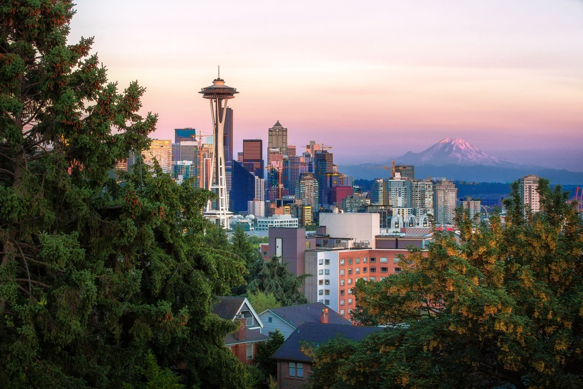 where to stay in Seattle on a budget